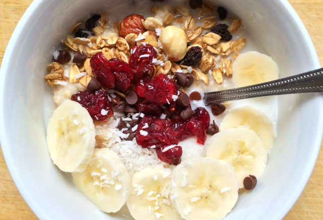 Easy Creamy Oatmeal Breakfast